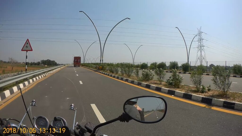 Agra - Lucknow Expressway in Delhi to Kanpur ride