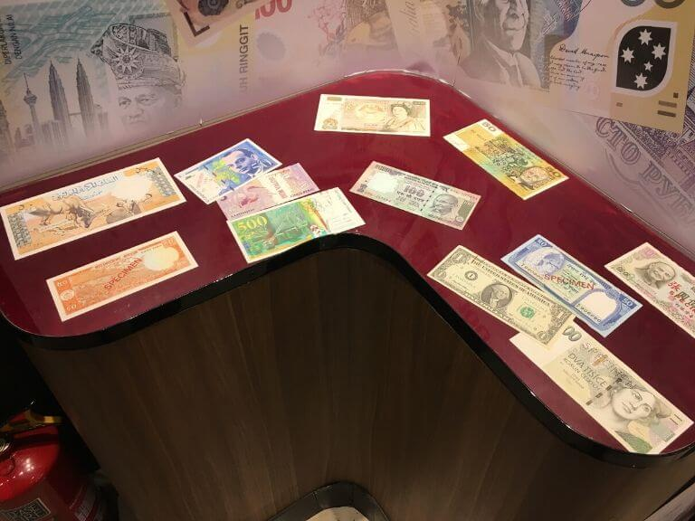 Different country notes RBI Museum