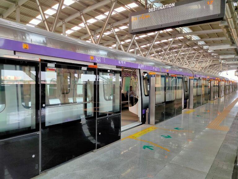 Metro Screen Door first in Kolkata