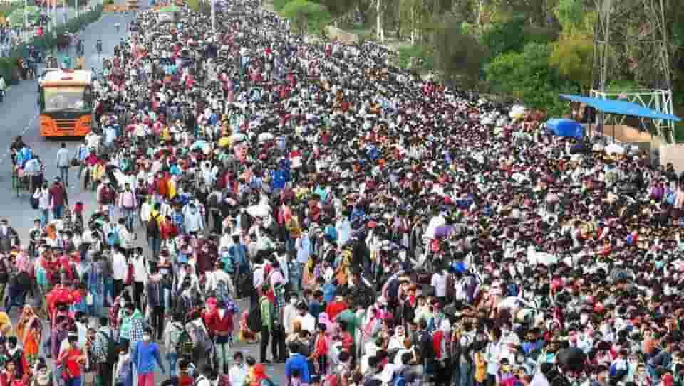 Public gathering at Anand Vihar Bus Terminal Delhi during Covid-19 lockdown