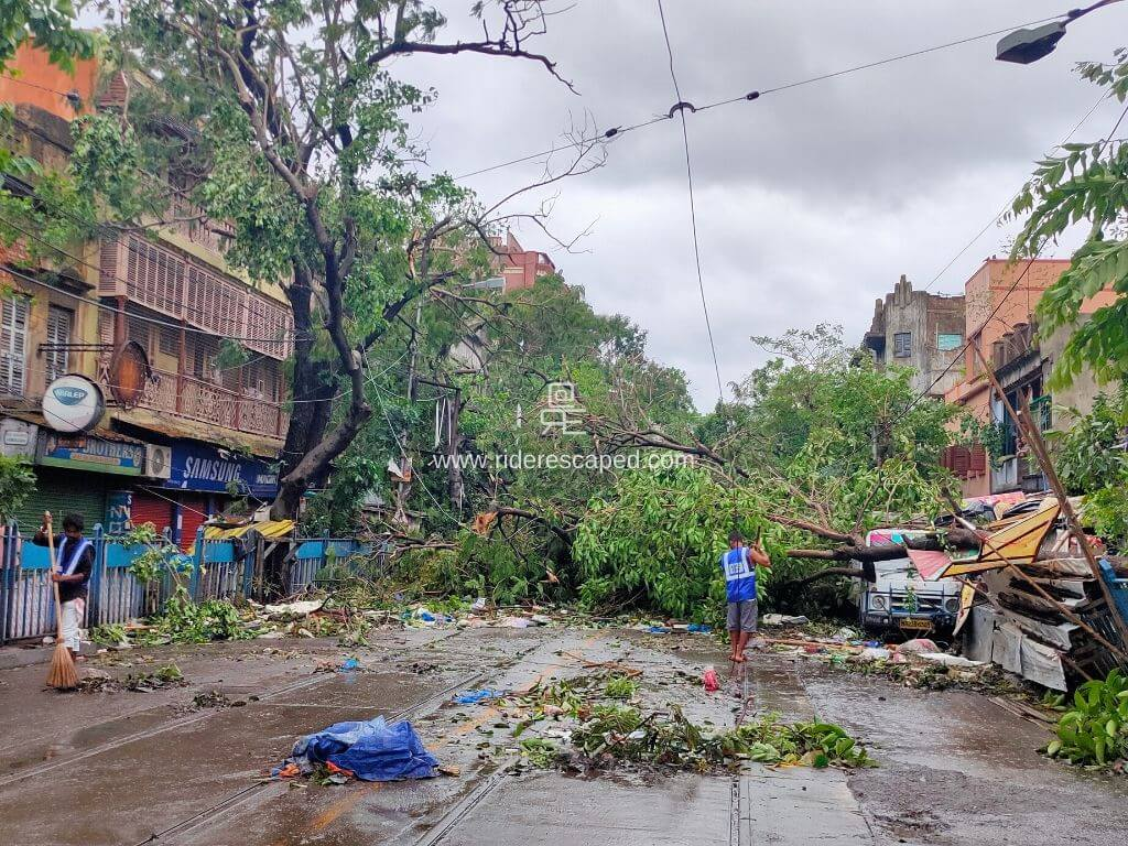 Amphan Cyclone effect in Kolkata, 21st May 2020 Featured Image