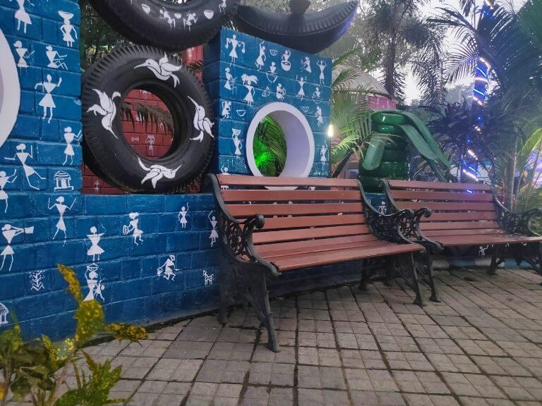 Seating arrangements, Kolkata Tyre Park